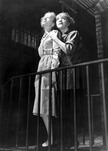 (L-R) Julie Haydon and Laurette Taylor in The Glass Menagerie, 1946.