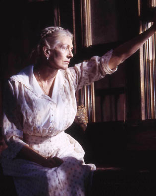 Vanessa Redgrave as Mary Tyrone in A Long Day's Journey Into Night (2003).