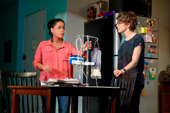 image 2 Liza Colón-Zayas & Carrie Coon in (Joan Marcus)